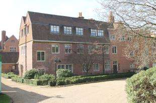 1 Bedroom Flat for sale in King Edward VII Apartment, Kings Drive, Midhurst, West Sussex