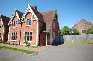 2 Bedrooms Semi Detached House for sale in Church Mews, Belmont Road, Uckfield, East Sussex