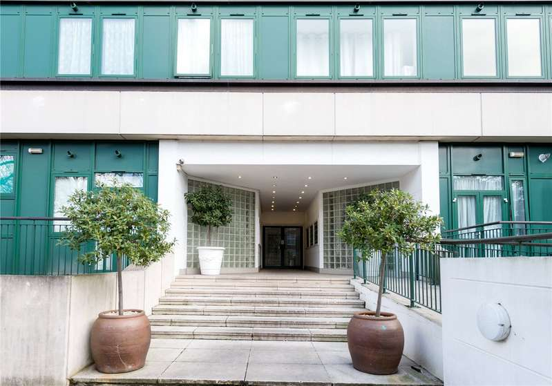 2 Bedrooms Flat for sale in Greystoke House, 150 Brunswick Road, London, W5