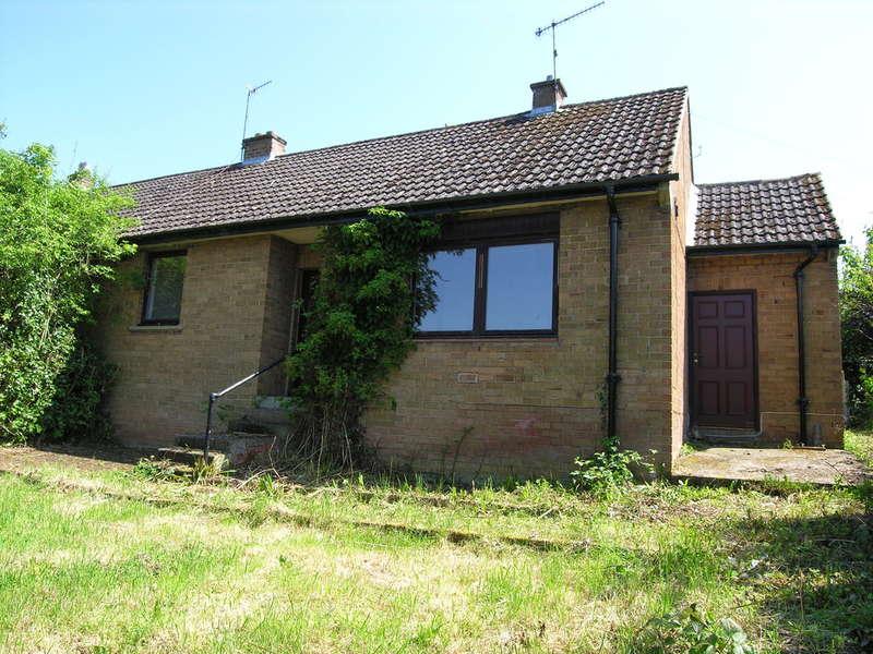 2 Bedrooms Semi Detached Bungalow for sale in 12 Beechcroft