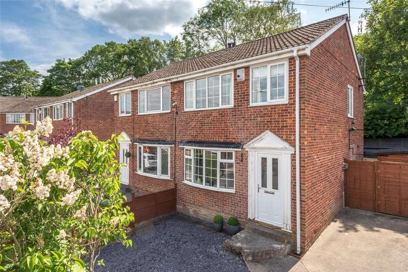 3 Bedrooms Semi Detached House for sale in Airedale Gardens, Leeds, West Yorkshire, LS13