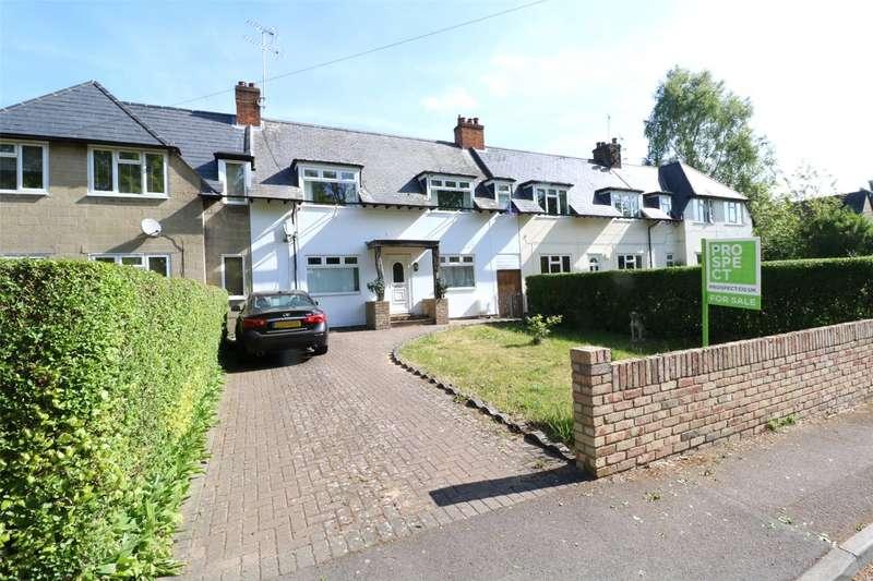 3 Bedrooms Terraced House for sale in Lower Broadmoor Road, Crowthorne, Berkshire, RG45