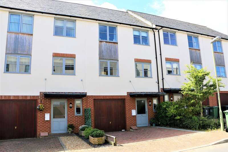 3 Bedrooms Town House for sale in Northbrook Crescent, Basingstoke, RG24