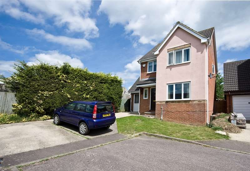 4 Bedrooms Detached House for sale in Osprey Road, Haverhill, Suffolk, CB9