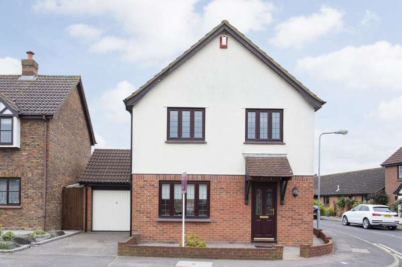 4 Bedrooms Detached House for sale in WICKETS WAY, HAINAULT