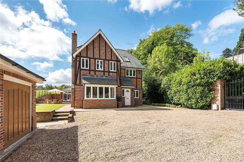 5 Bedrooms Detached House for sale in Windmill Road, Fulmer, Bucks, SL3
