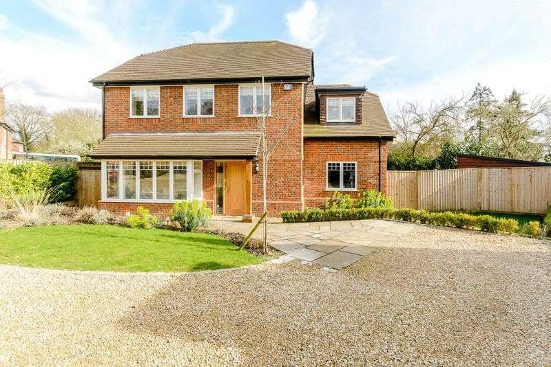 4 Bedrooms Detached House for sale in Spring Court, Spring Lane, Farnham Royal, Berkshire