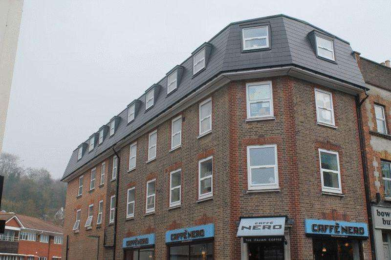 2 Bedrooms Apartment Flat for rent in Timber Lane, Caterham
