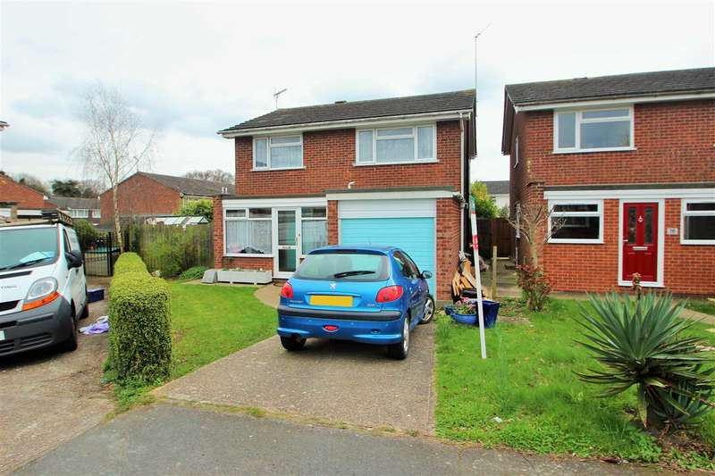 4 Bedrooms Detached House for sale in Queensland Drive, Colchester