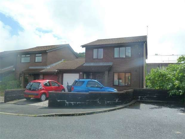 3 Bedrooms Detached House for sale in Fairmeadows, Cwmfelin, Maesteg, Mid Glamorgan