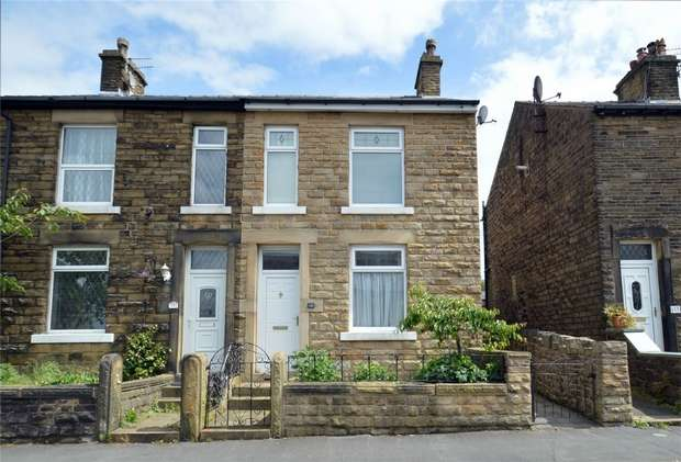 3 Bedrooms Semi Detached House for sale in New Street, New Mills, High Peak, Derbyshire