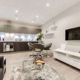 2 Bedrooms Apartment Flat for rent in The Quadrant,, London