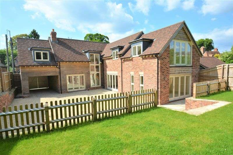 4 Bedrooms Property for sale in Main Street, Chilton, Didcot