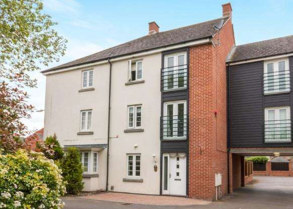 5 Bedrooms Terraced House for sale in Basingstoke, Hampshire, .