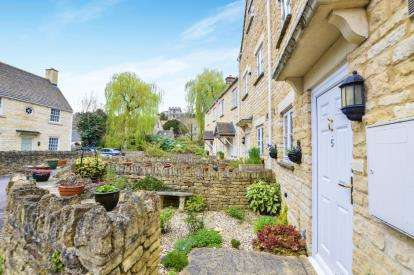 3 Bedrooms End Of Terrace House for sale in Pike House Mews, Avening, Tetbury