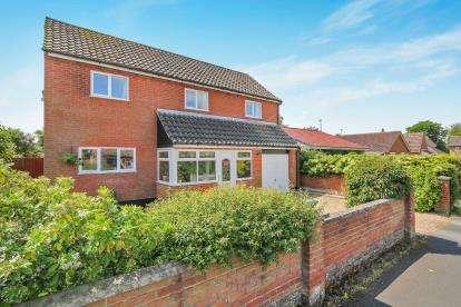 4 Bedrooms Detached House for sale in Shropham, Attleborough, Norfolk