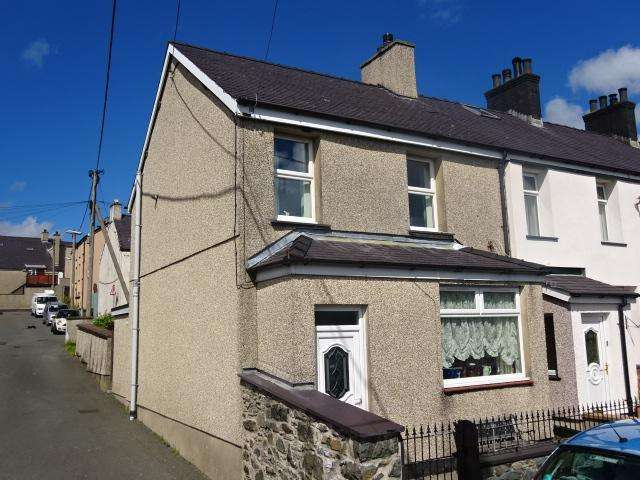 2 Bedrooms End Of Terrace House for sale in CARADOG PLACE, DEINIOLEN LL55