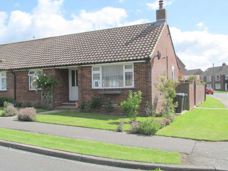 2 Bedrooms Bungalow for sale in Gilbert Road, Chichester, West Sussex, PO19 3NP