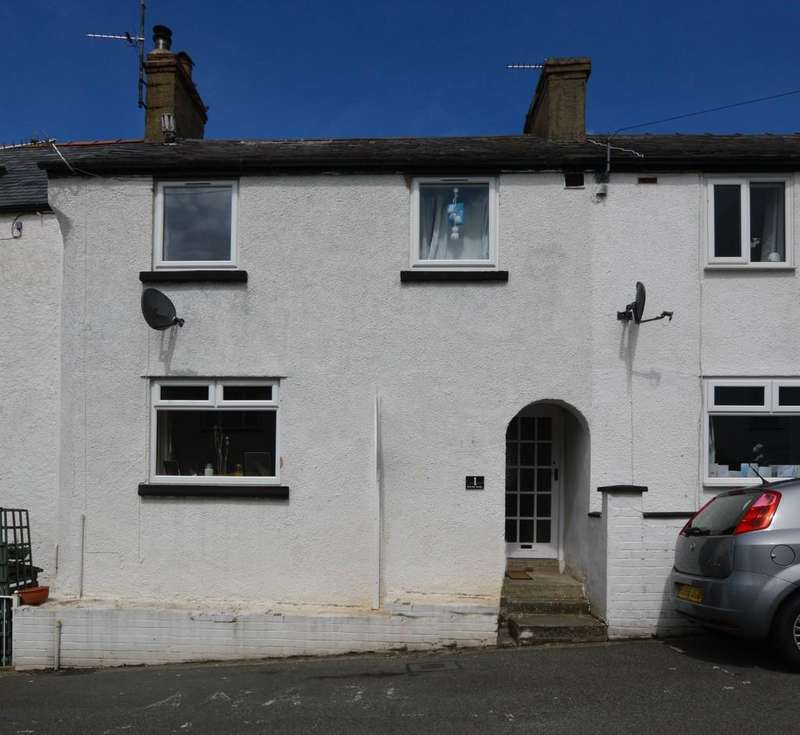 3 Bedrooms Terraced House for sale in Brynmor Terrace, Llanfairfechan, North Wales