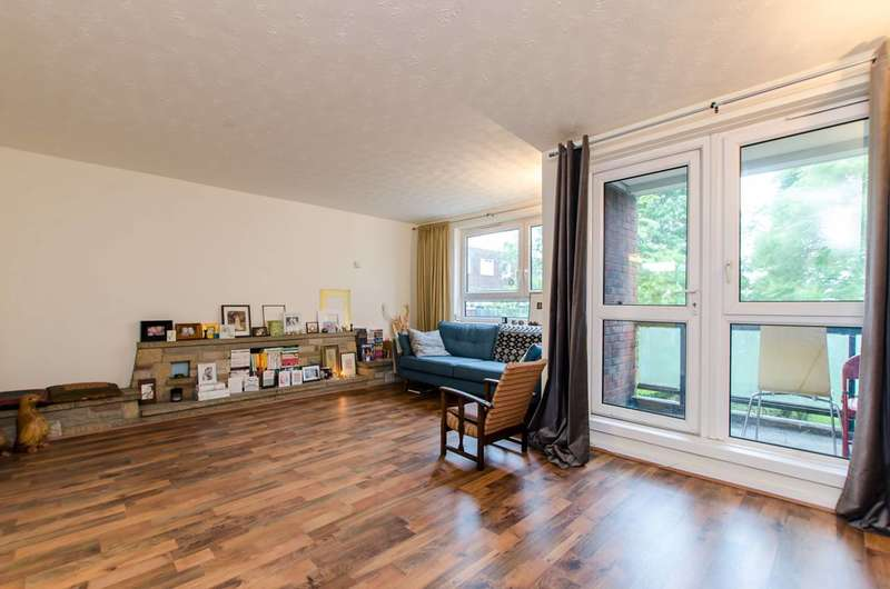 4 Bedrooms Maisonette Flat for sale in Ronald Street, Stepney, E1