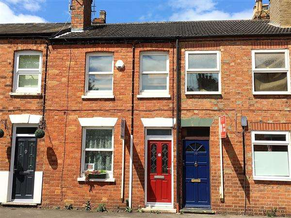 2 Bedrooms Terraced House for sale in New Bradwell, Milton Keynes