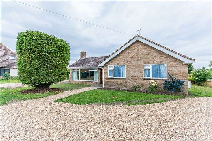 3 Bedrooms Detached Bungalow for sale in Park Lane, Dry Drayton, Cambridge