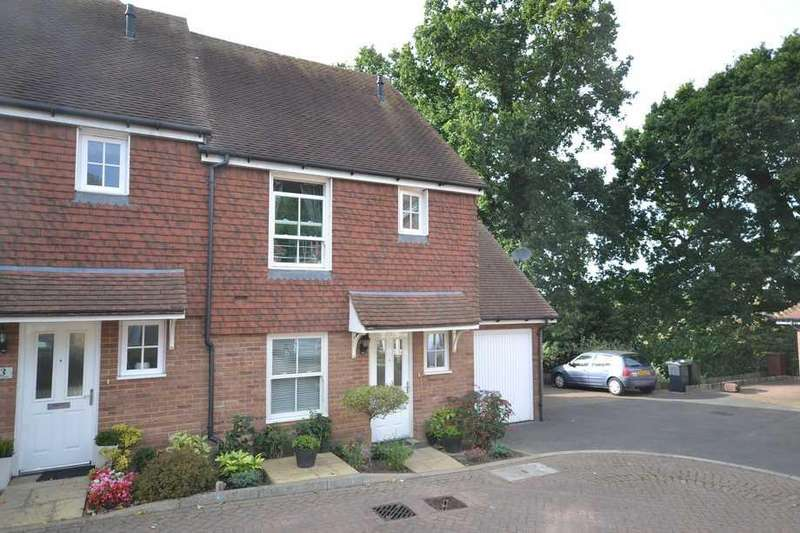 3 Bedrooms Semi Detached House for sale in Tenterden, TN30