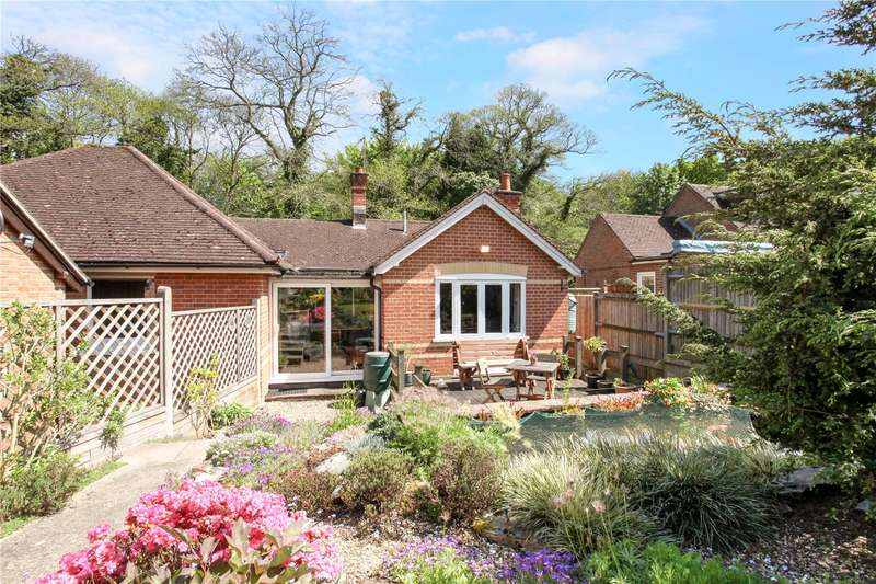 2 Bedrooms Semi Detached Bungalow for sale in Woodlee Cottages, Callow Hill, Virginia Water, Surrey, GU25