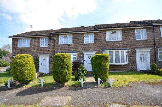 3 Bedrooms Terraced House for sale in Hatherwood, Yateley, Hampshire
