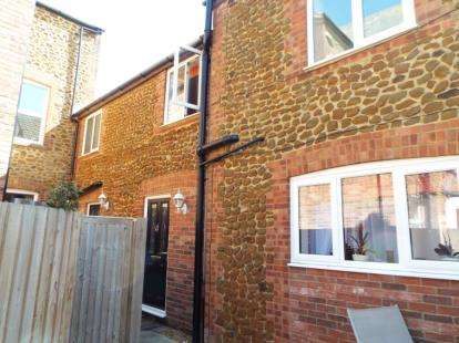 3 Bedrooms Semi Detached House for sale in Hunstanton, Norfolk
