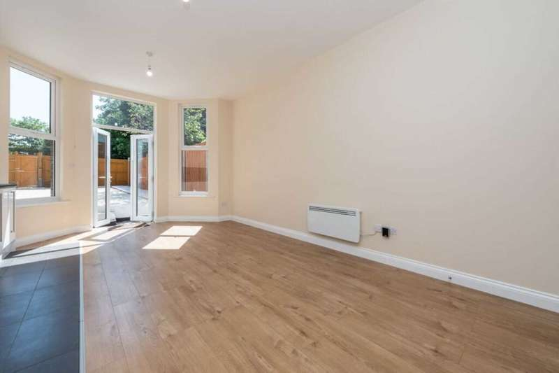 2 Bedrooms Flat for sale in Park Lane, Croydon