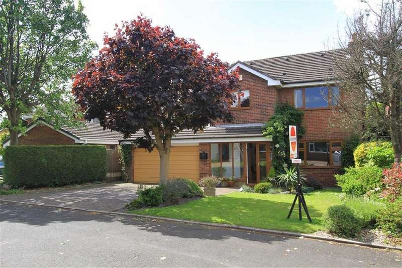 4 Bedrooms Detached House for sale in 7, Petrel Close, Bamford, Rochdale, OL11