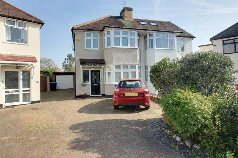 4 Bedrooms Property for sale in Manor Road, Enfield