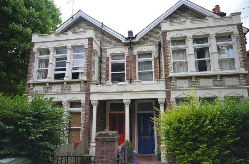 3 Bedrooms Flat for sale in Wickham Gardens Brockley SE4
