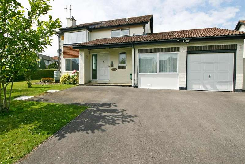 5 Bedrooms Detached House for sale in Huxley Close, Locks Heath, Southampton, SO31 6RR