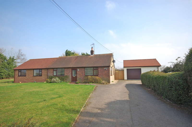 5 Bedrooms Bungalow for sale in School Road, Rayne, Braintree, CM77