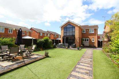 4 Bedrooms Detached House for sale in The Hawthornes, Beighton, Sheffield, South Yorkshire