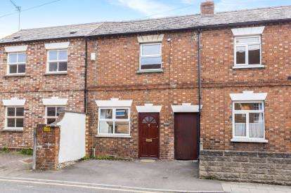 2 Bedrooms Terraced House for sale in Milsom Street, Cheltenham, Gloucestershire