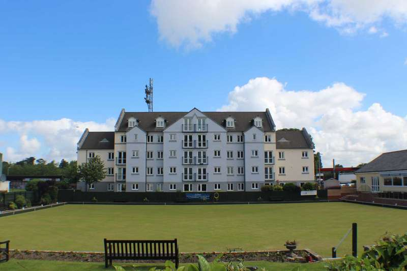 2 Bedrooms Apartment Flat for sale in Strand Court, Bideford