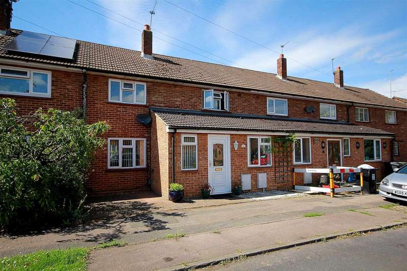 3 Bedrooms Terraced House for sale in 3 BED with PARKING in SOUGHT AFTER CUL DE SAC, BOVINGDON