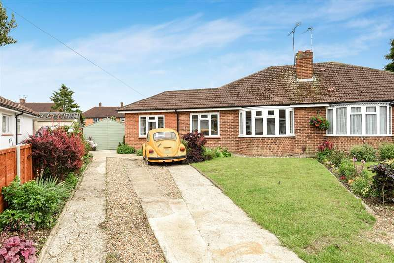 3 Bedrooms Semi Detached Bungalow for sale in Hall Drive, Harefield, Uxbridge, Middlesex, UB9
