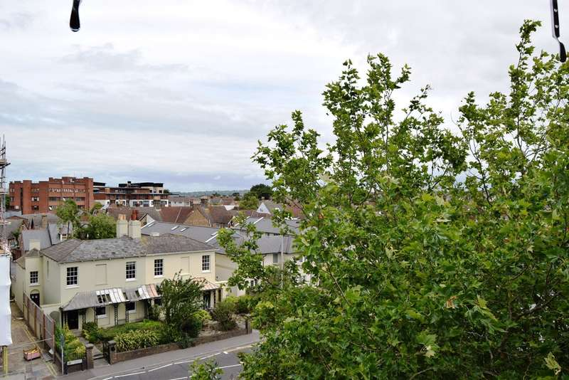 2 Bedrooms Apartment Flat for sale in Voyager House, Poole