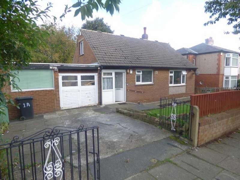2 Bedrooms Detached Bungalow for sale in Red Doles Road, Fartown, Huddersfield, West Yorkshire, HD2