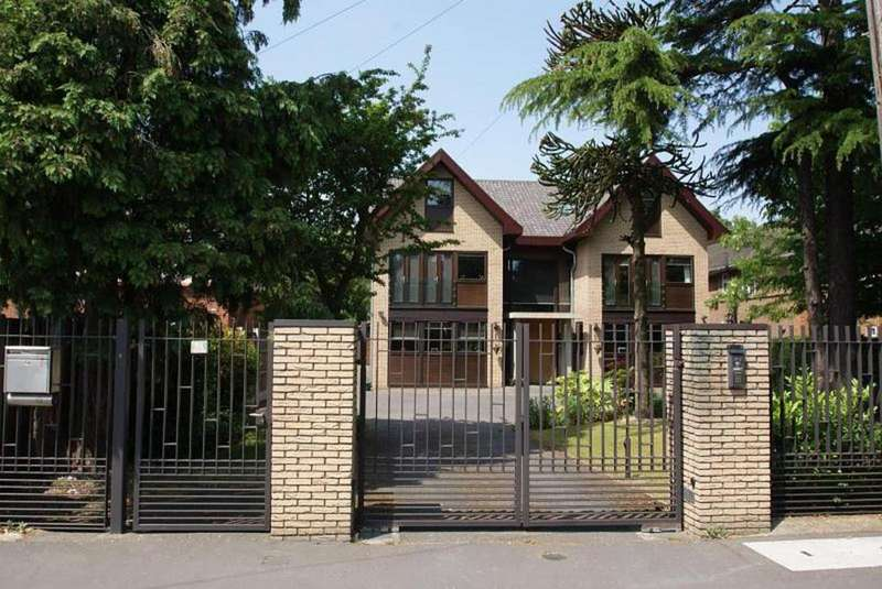 8 Bedrooms Detached House for sale in Burntwood Avenue, Emerson Park, Essex, RM11