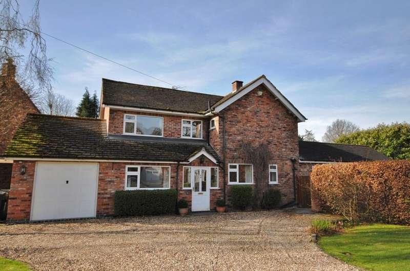 4 Bedrooms Detached House for sale in Redbrook Way, Adlington