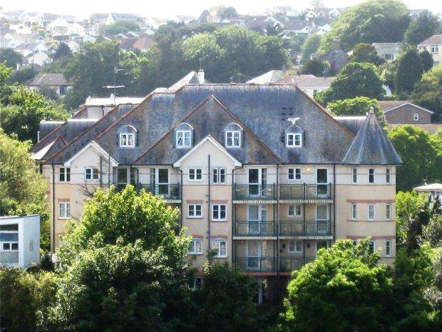 2 Bedrooms Flat for sale in Saxon Heights, New Road, Brixham, Devon