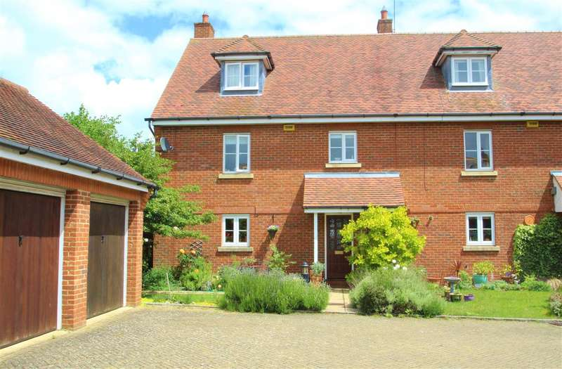 4 Bedrooms Town House for sale in Waine Close, Buckingham