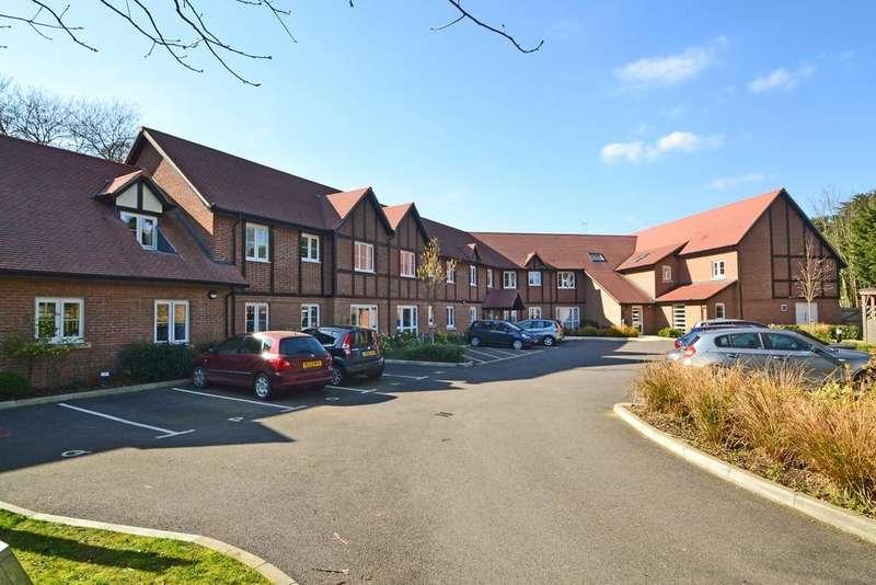1 Bedroom Flat for sale in Storrington, West Sussex RH20
