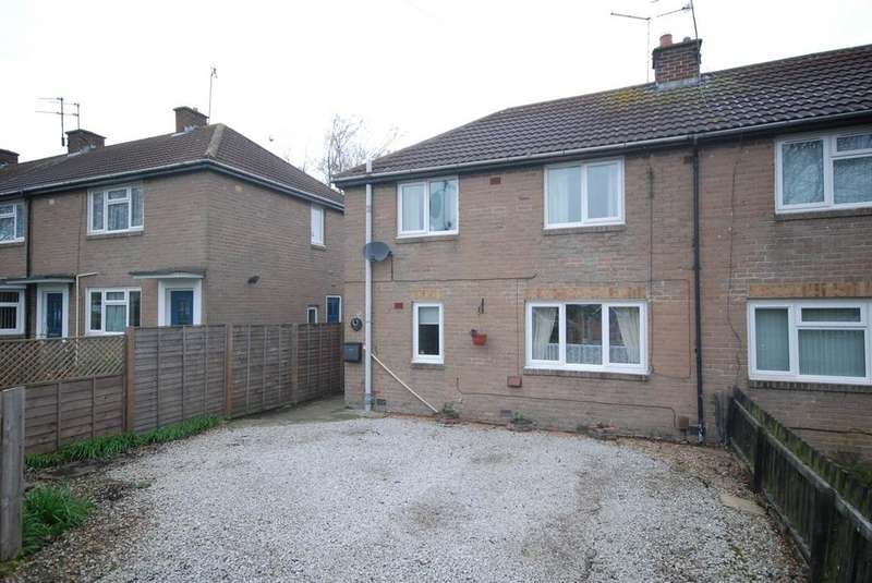 3 Bedrooms Semi Detached House for sale in Hedgeley Road, Hebburn