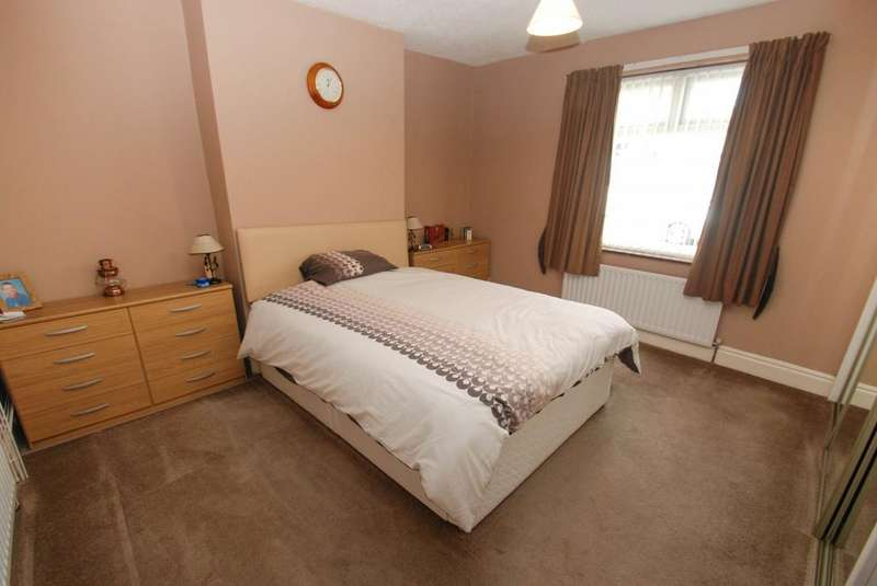 2 Bedrooms Flat for sale in Taylor Street, South Shields